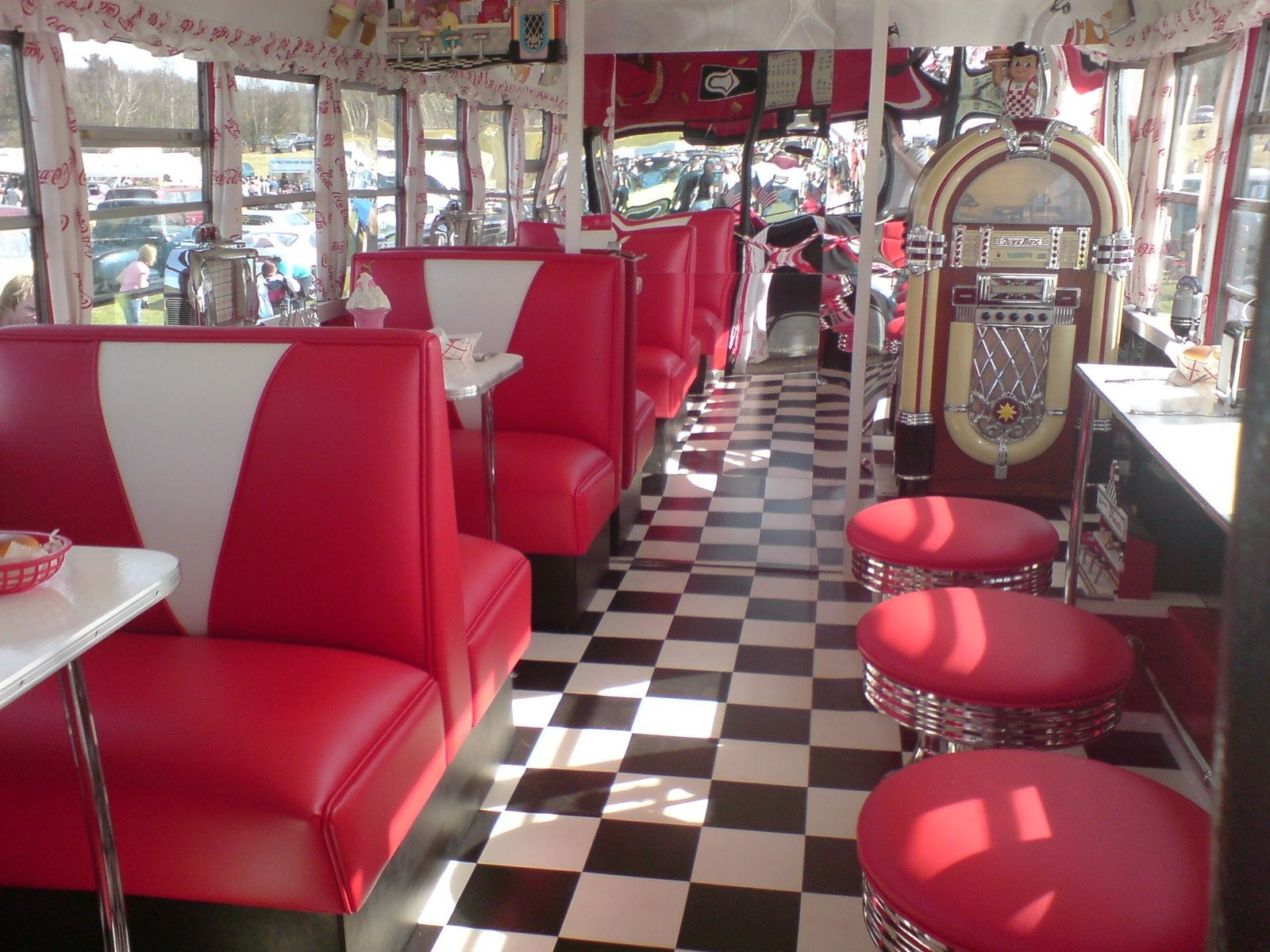 Award Winning Country Diner w/ Real Estate