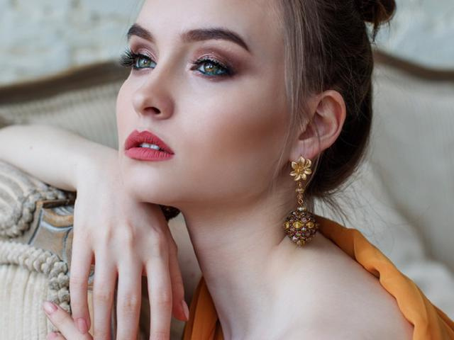 Five Star Central Florida Salon for Brows Lashes and Waxing