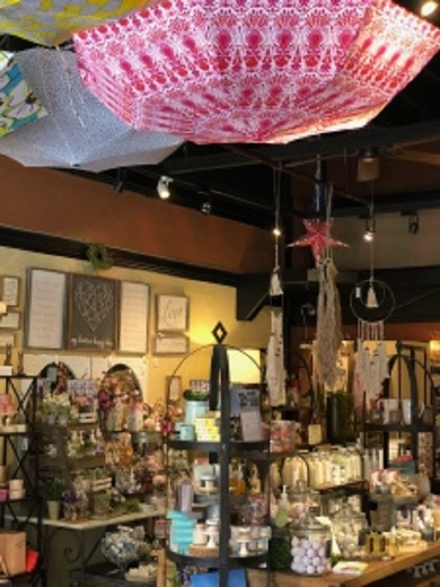 Well-Established Home Decor and Gift Shop in Kirkland