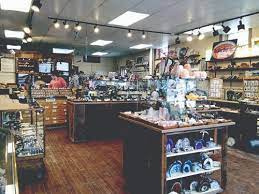 Jewelry Store Specializing in Gems and Rocks. A Ton of Inventory!