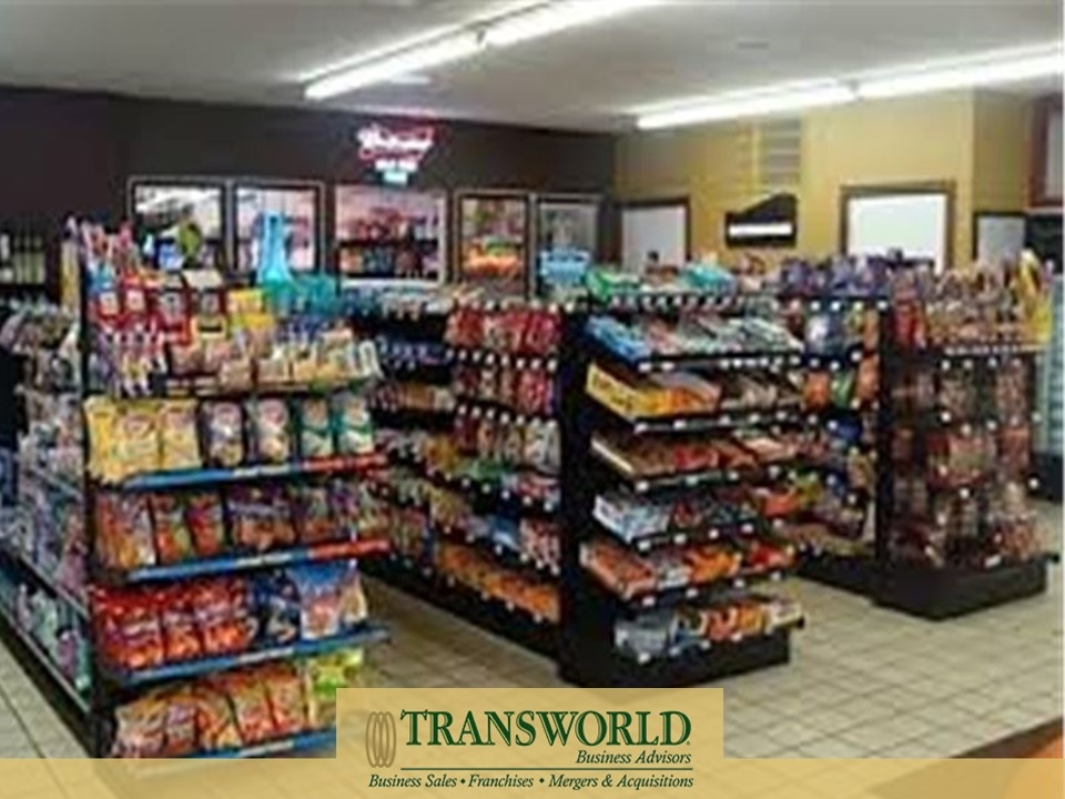 842475_BK Convenience Store in Great Location W/Apartment