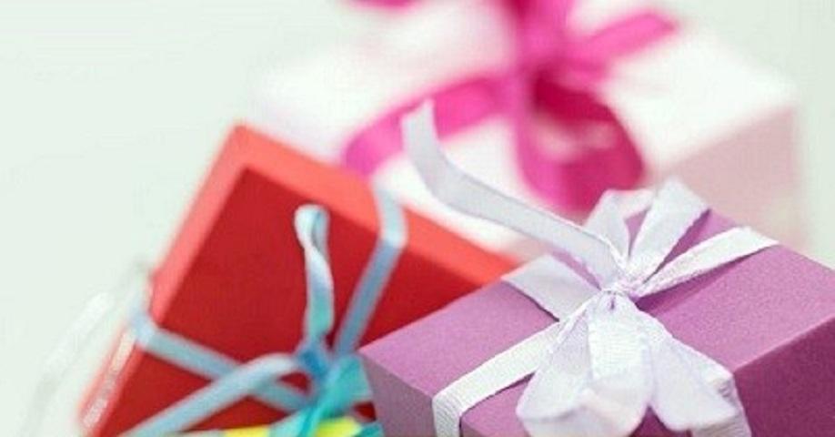 Crafts, Gifts, Souvenir & Novelties Shop