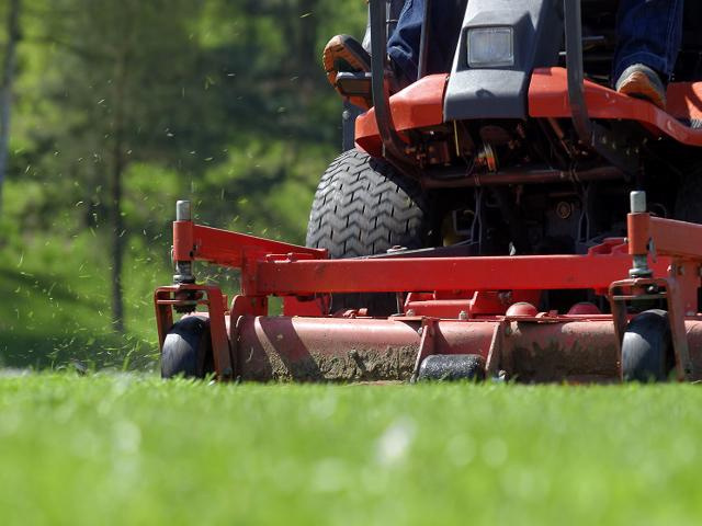 Established, Profitable and Growing Lawn Maintenance Company!