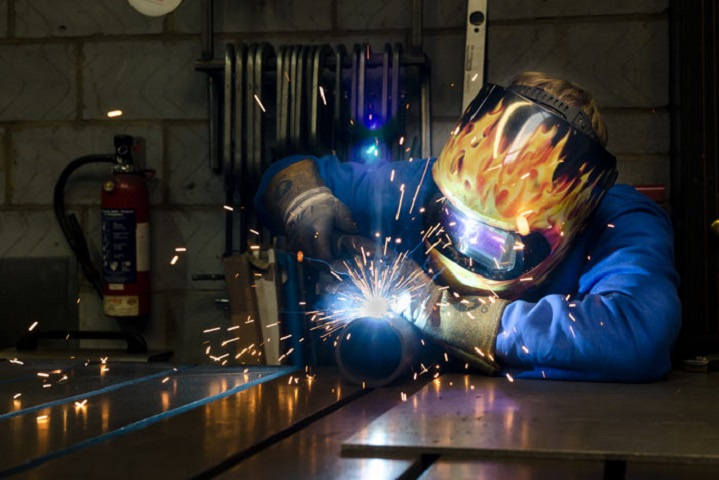 Lucrative, Established Metal Fabricator & Mfr in Central OR