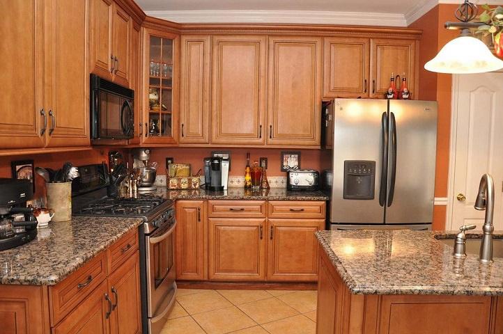 Manufacturer Custom Kitchen Cabinetry