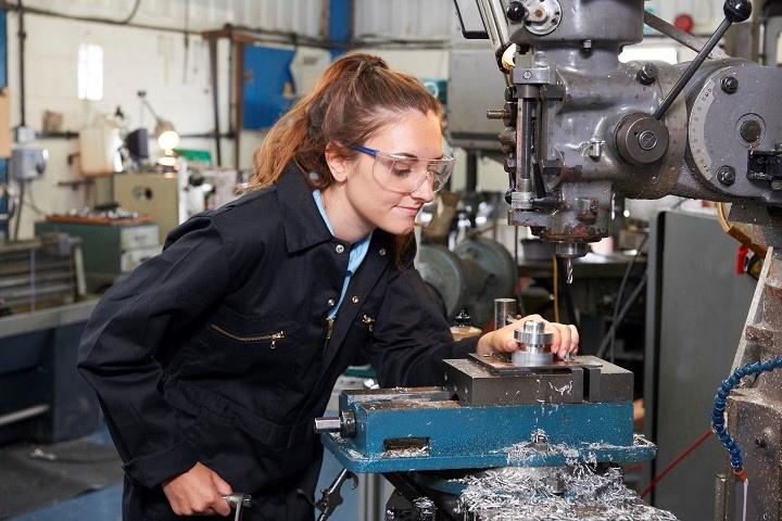 Profitable Busy Precision Machine Shop-495510-RF