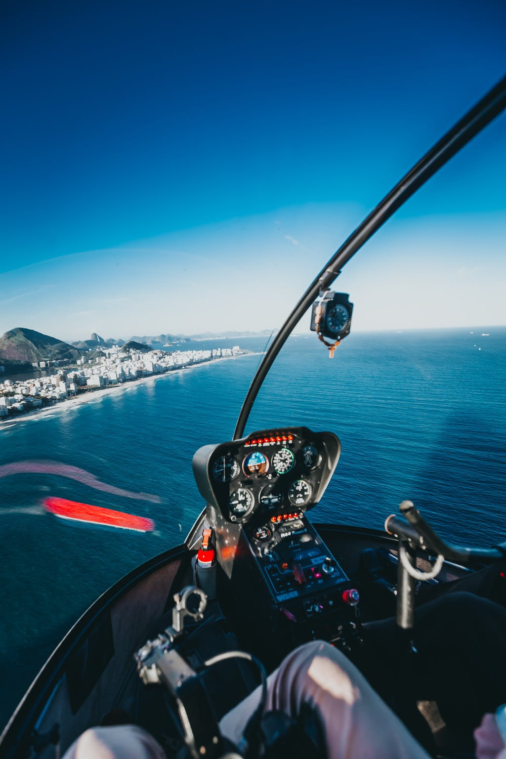 Premier Accredited Helicopter Flight School & Charter Business