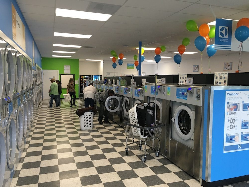 Laundromat in High Traffic area- N.E.Washington DC
