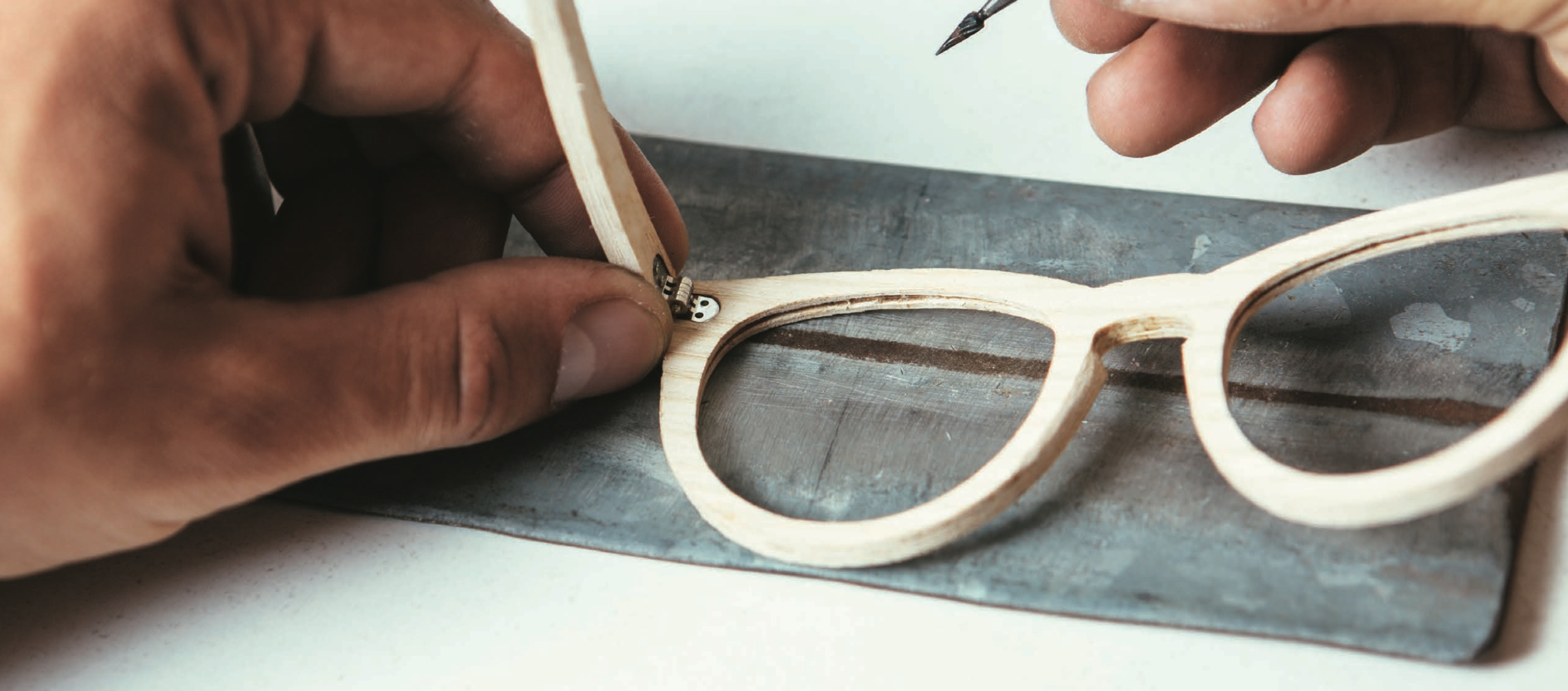 Unique Handcrafted Eyewear / E-Commerce Business