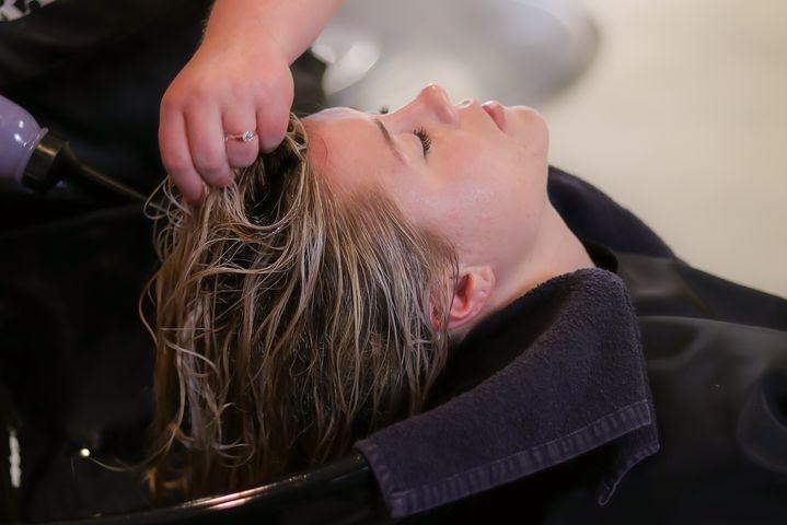 ESTABLISHED HAIR SALON IN PRIME SHOPPING PLAZA LOCATION| GREAT PO