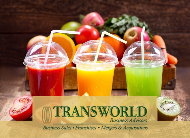 Busy downtown Ft Lauderdale Smoothie Franchise