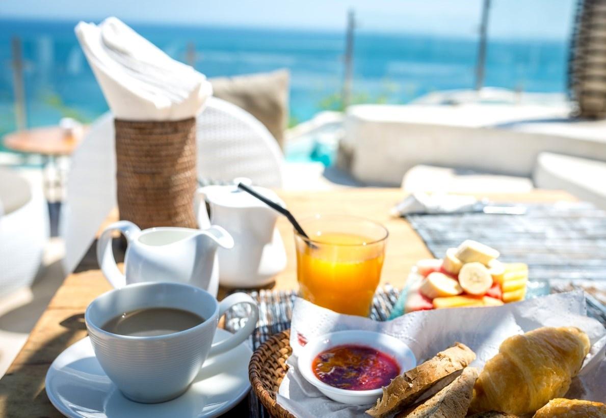 Profitable licenced cafe & restaurant, A1 location - beach views