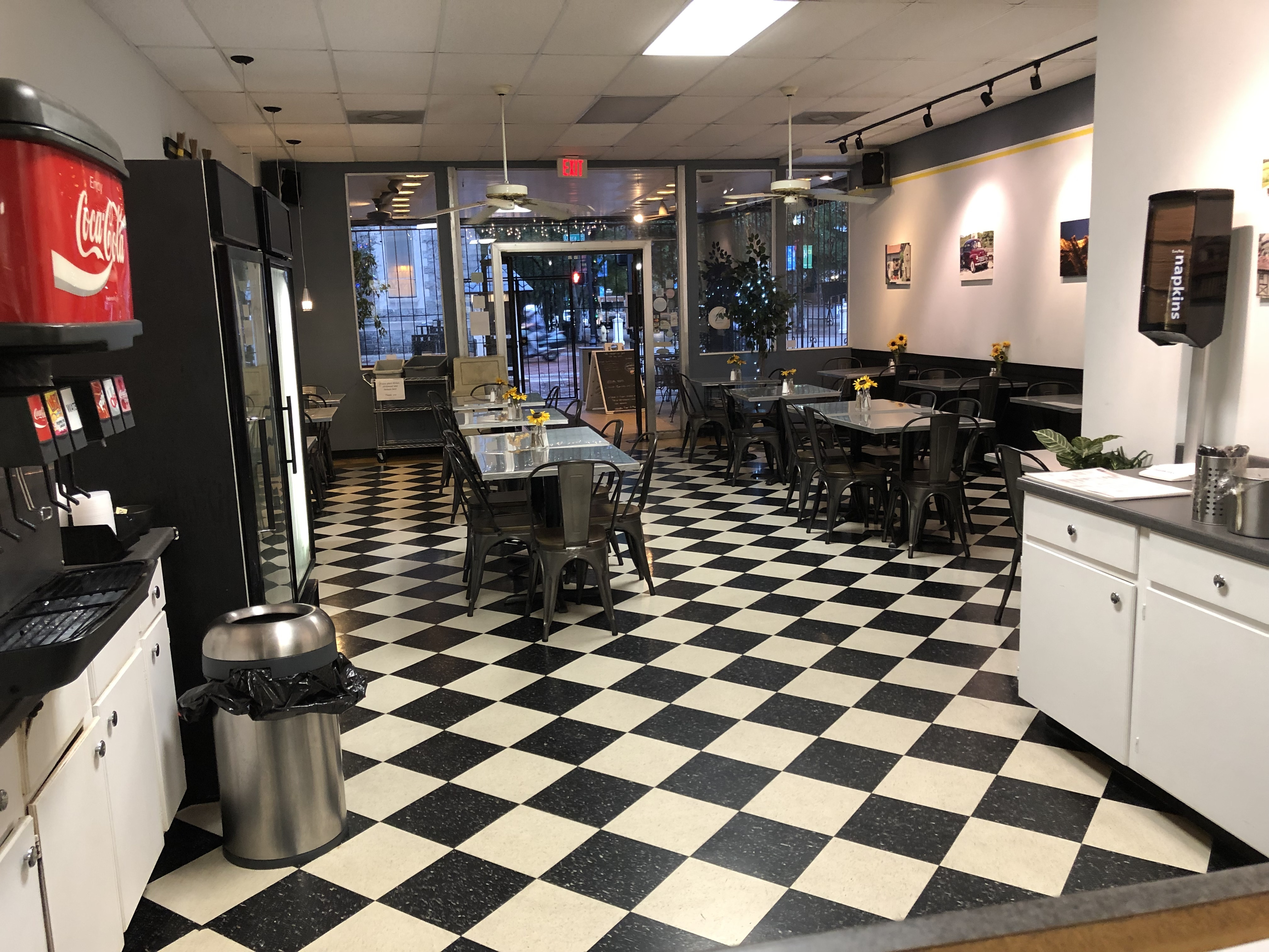 Established Lunch Cafe in Busy Downtown Jacksonville