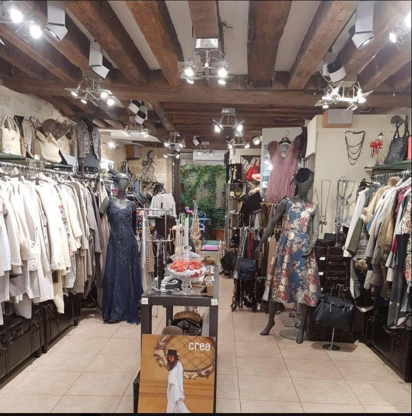Très belle boutique de prêt à porter (murs et FDC)