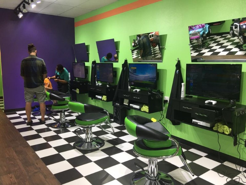 Popular Family/Kids Hair Styling Salon/Games in High Traffic Area