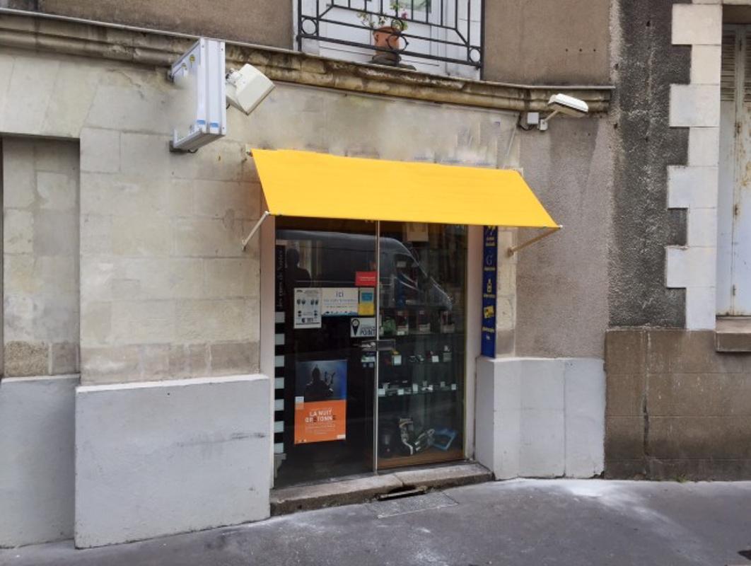 Petite boutique de proximité en plein centre-ville