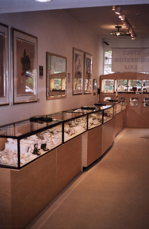 PRICE REDUCED! Upscale Jeweler Boutique with 45-years in Biz