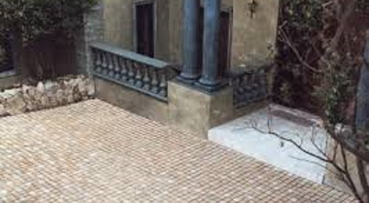 Concrete Paving And Bespoke Aesthetic Concrete Manufacturer