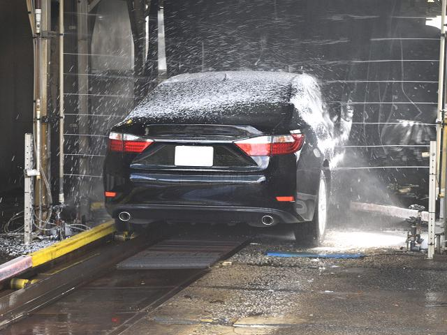 Profitable Lower Midwest Full Service Car Wash and Lube With RE