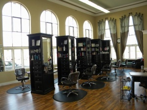 Salon 10 chairs Price Reduced to Sell