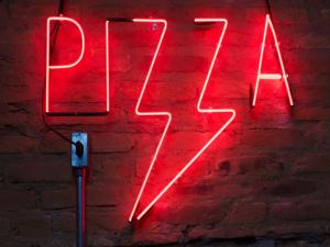 Pizza Restaurant in High Traffic Historic Boston Suburb