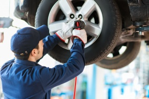 Auto Repair Shop with Earnings Growth